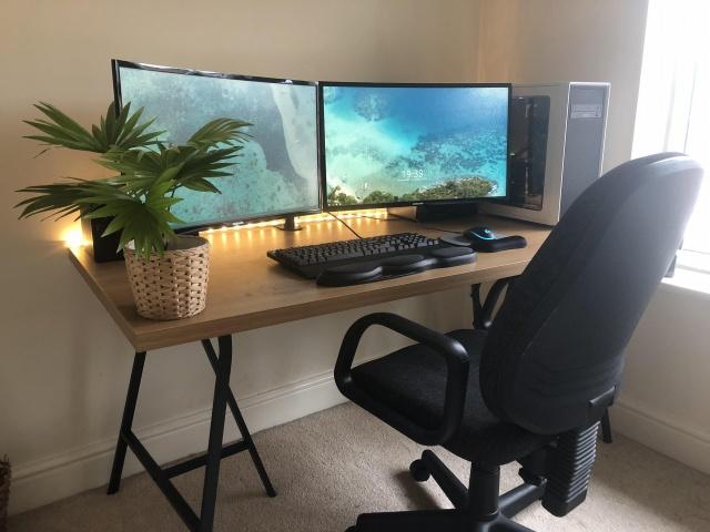 PC_Desk_127_47.jpg