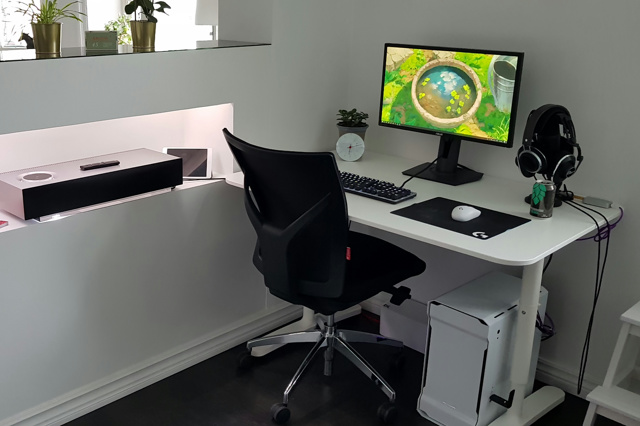 PC_Desk_127_50.jpg