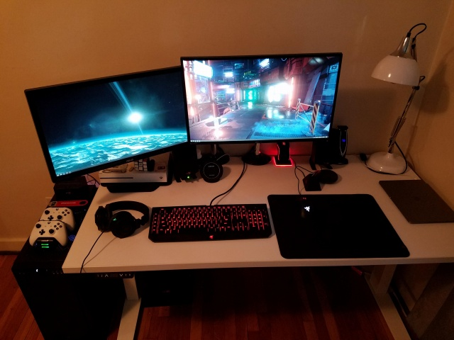 PC_Desk_127_55.jpg