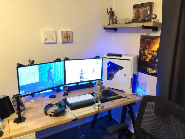 PC_Desk_127_61.jpg