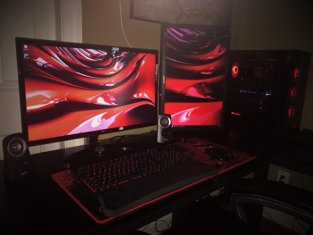 PC_Desk_127_66.jpg