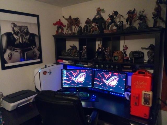 PC_Desk_127_75.jpg
