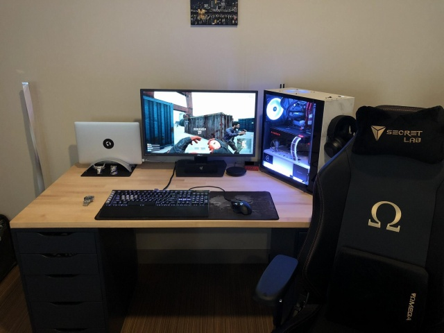 PC_Desk_127_80.jpg