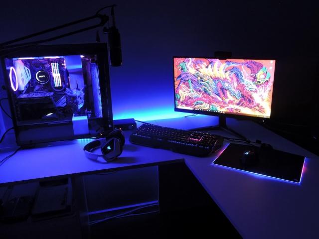 PC_Desk_127_91.jpg