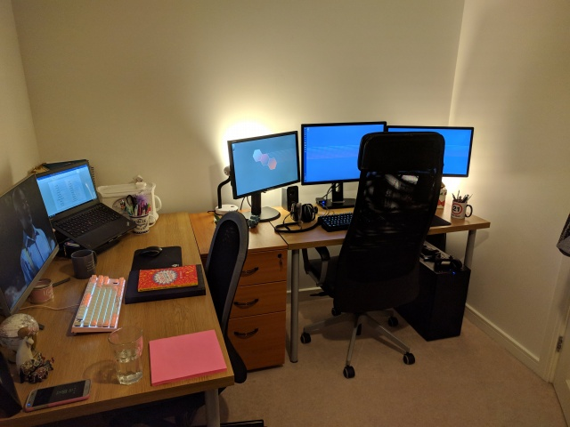 PC_Desk_128_30.jpg