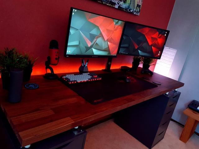 PC_Desk_128_47.jpg