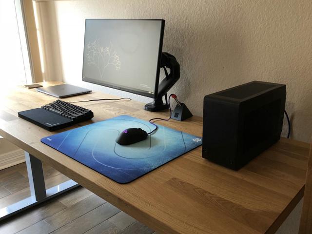 PC_Desk_129_18.jpg