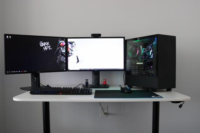 PC_Desk_129_20.jpg