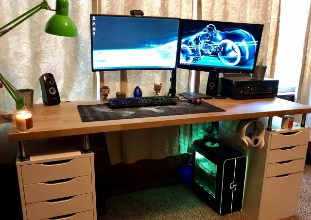 PC_Desk_129_46.jpg