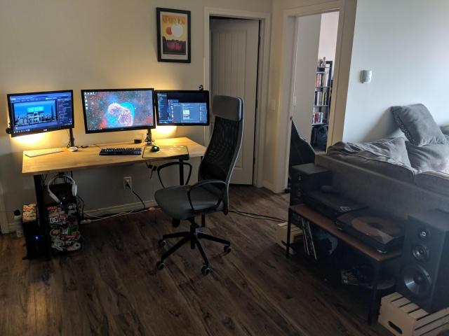 PC_Desk_129_49.jpg
