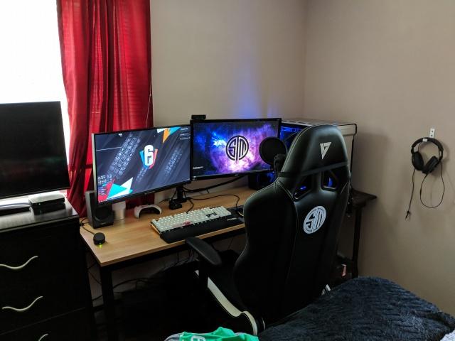 PC_Desk_129_56.jpg
