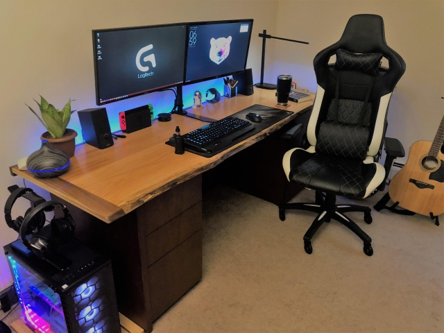 PC_Desk_129_61.jpg