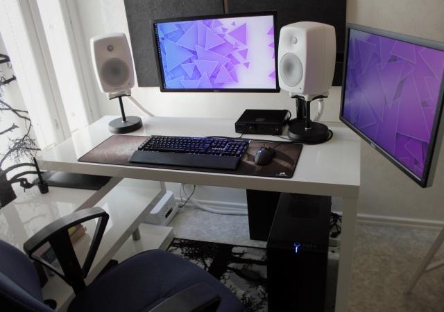 PC_Desk_129_99.jpg