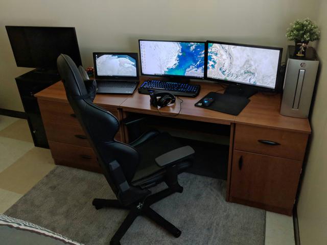 PC_Desk_130_23.jpg
