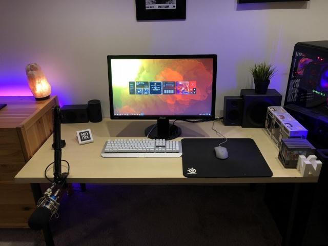 PC_Desk_130_24.jpg