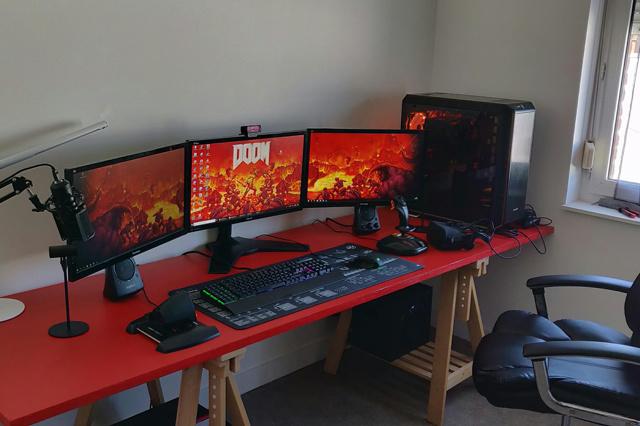 PC_Desk_130_28.jpg