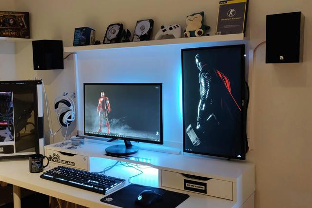 PC_Desk_130_39.jpg