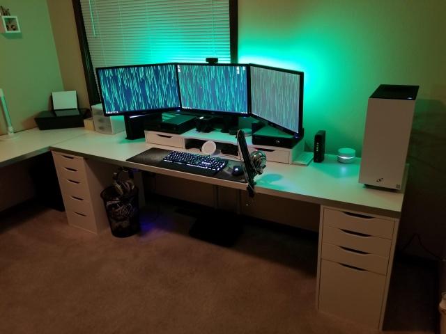 PC_Desk_130_43.jpg