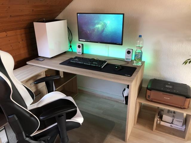 PC_Desk_130_62.jpg