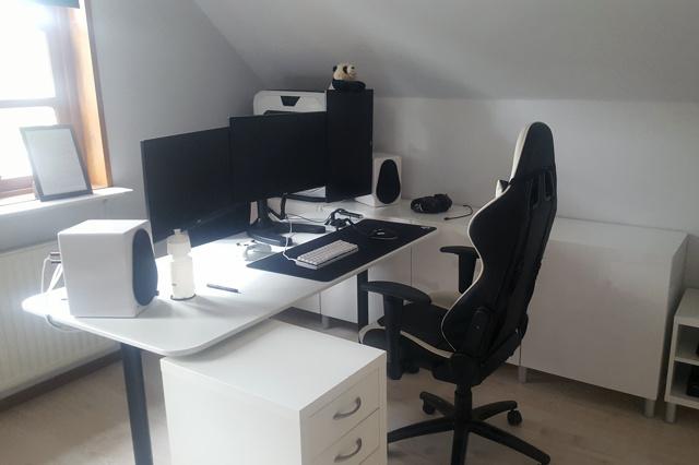 PC_Desk_130_69.jpg