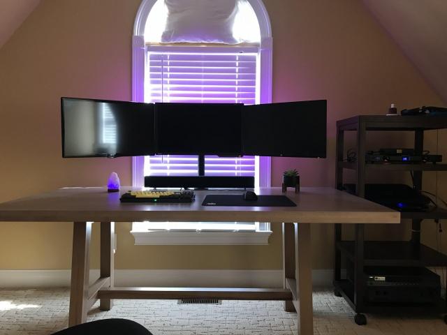 PC_Desk_130_94.jpg