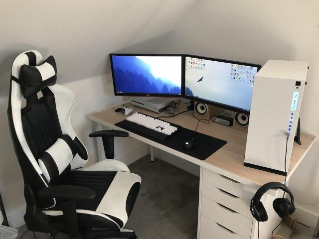 PC_Desk_MultiDisplay124_03.jpg