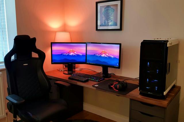 PC_Desk_MultiDisplay124_14.jpg