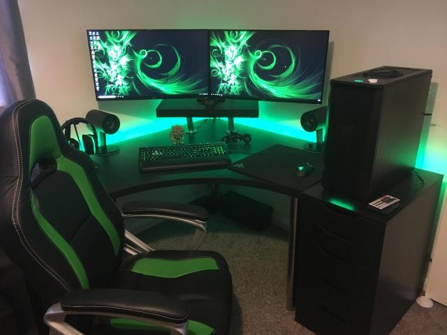 PC_Desk_MultiDisplay124_16.jpg