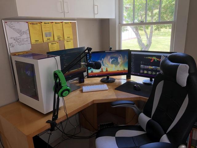 PC_Desk_MultiDisplay124_19.jpg