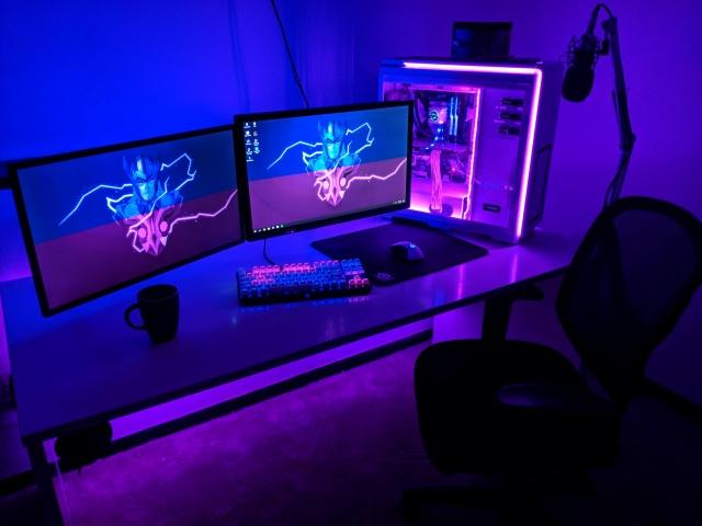 PC_Desk_MultiDisplay124_23.jpg