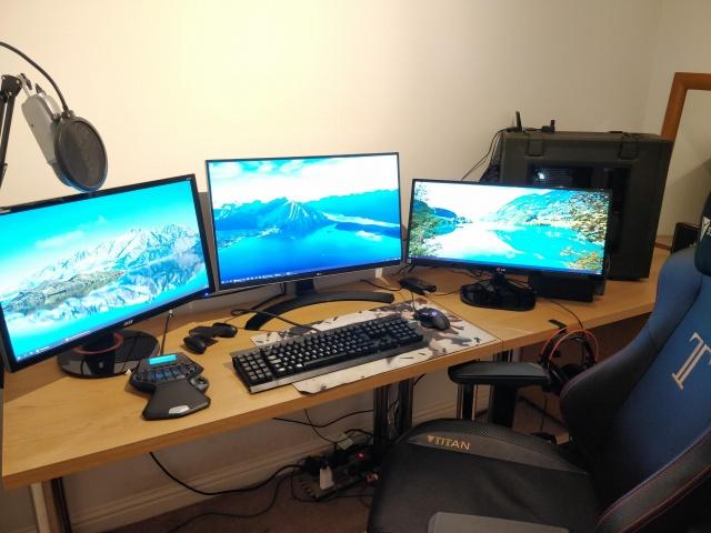 PC_Desk_MultiDisplay124_27.jpg