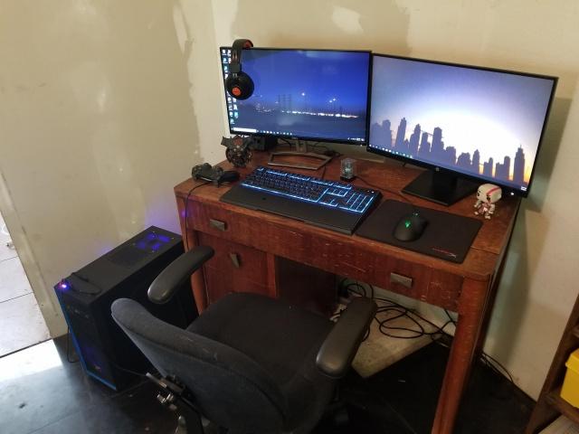 PC_Desk_MultiDisplay124_31.jpg