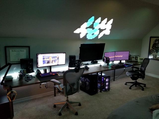 PC_Desk_MultiDisplay124_37.jpg