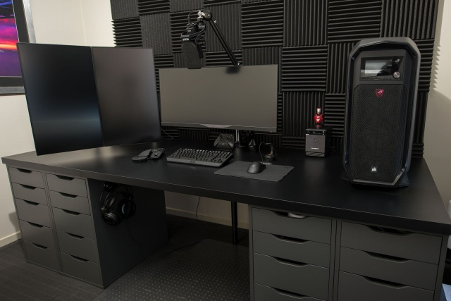 PC_Desk_MultiDisplay124_40.jpg