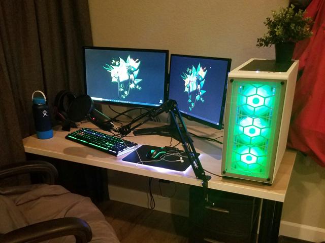 PC_Desk_MultiDisplay124_42.jpg