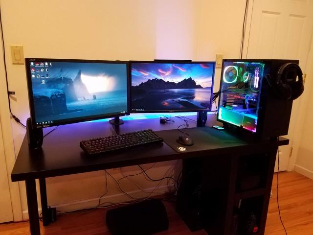 PC_Desk_MultiDisplay124_50.jpg