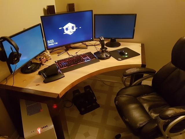 PC_Desk_MultiDisplay124_53.jpg