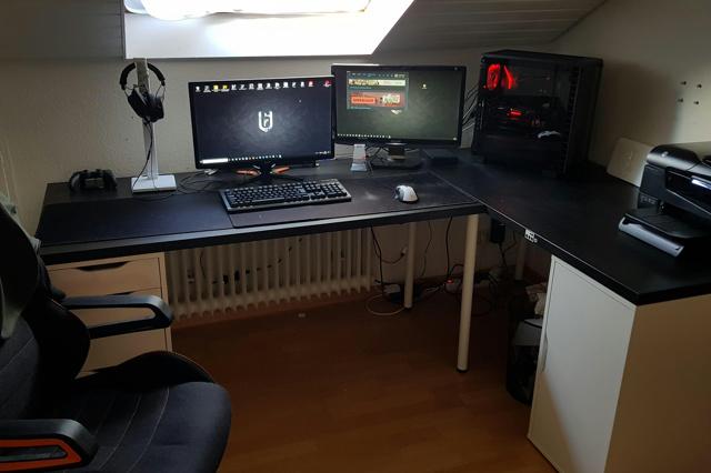PC_Desk_MultiDisplay124_64.jpg