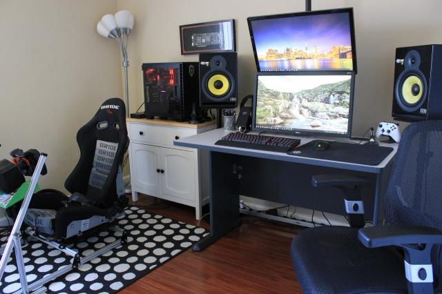 PC_Desk_MultiDisplay124_85.jpg