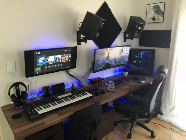 PC_Desk_UltlaWideMonitor34_01.jpg