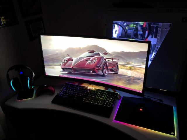 PC_Desk_UltlaWideMonitor34_08.jpg