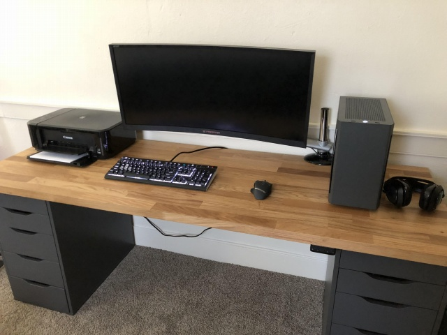 PC_Desk_UltlaWideMonitor34_16.jpg