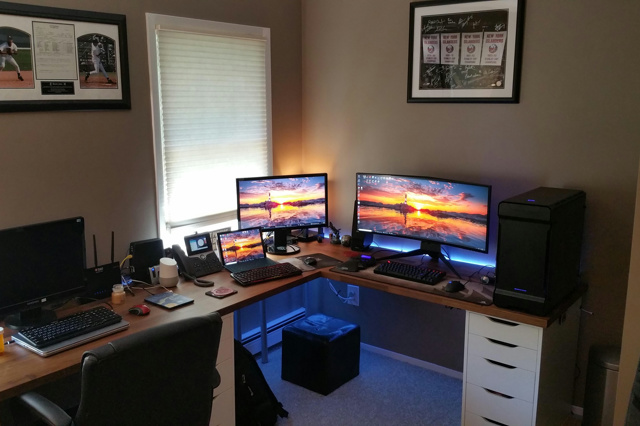 PC_Desk_UltlaWideMonitor34_29.jpg