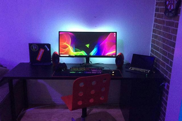 PC_Desk_UltlaWideMonitor34_36.jpg
