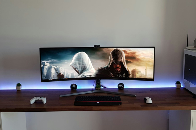 PC_Desk_UltlaWideMonitor34_43.jpg