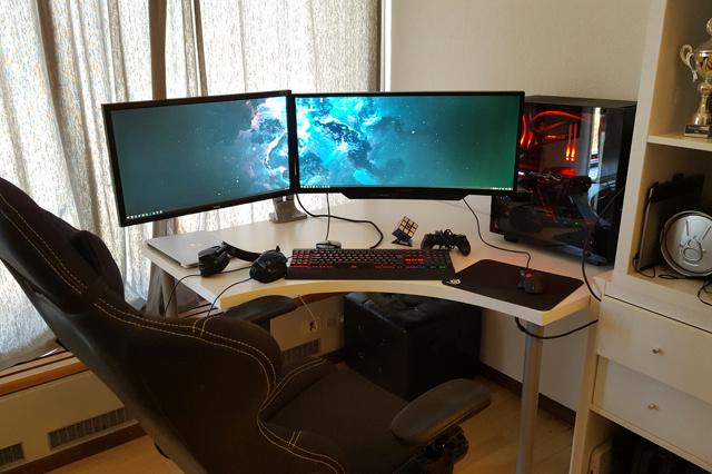 PC_Desk_UltlaWideMonitor34_52.jpg