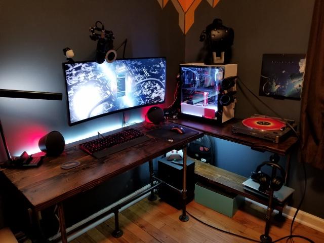 PC_Desk_UltlaWideMonitor34_55.jpg