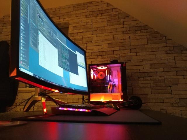 PC_Desk_UltlaWideMonitor34_69.jpg
