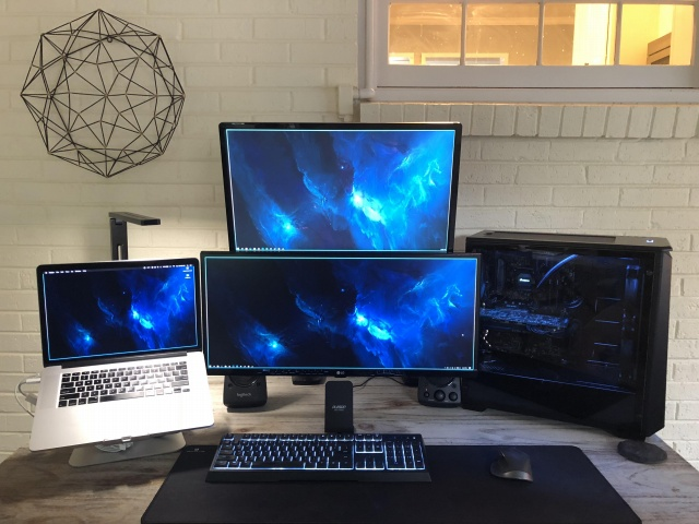PC_Desk_UltlaWideMonitor34_70.jpg