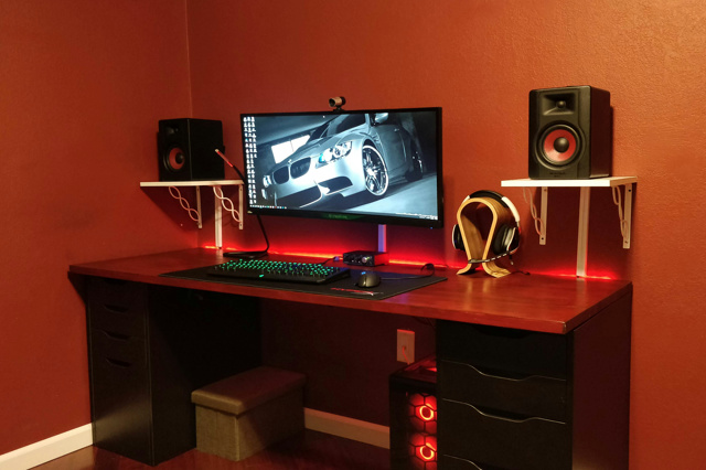 PC_Desk_UltlaWideMonitor34_72.jpg